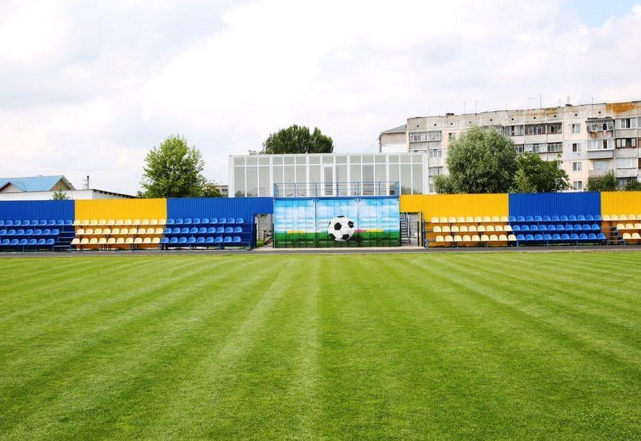 Центральний стадіон в смт Калинівка